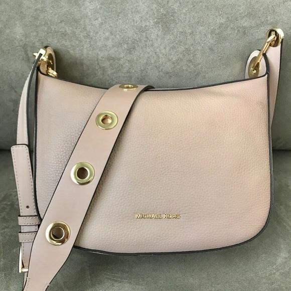 62fa2b1c75e9 MICHAEL Michael Kors Bags | Michael Kors Barlow Medium Leather ...